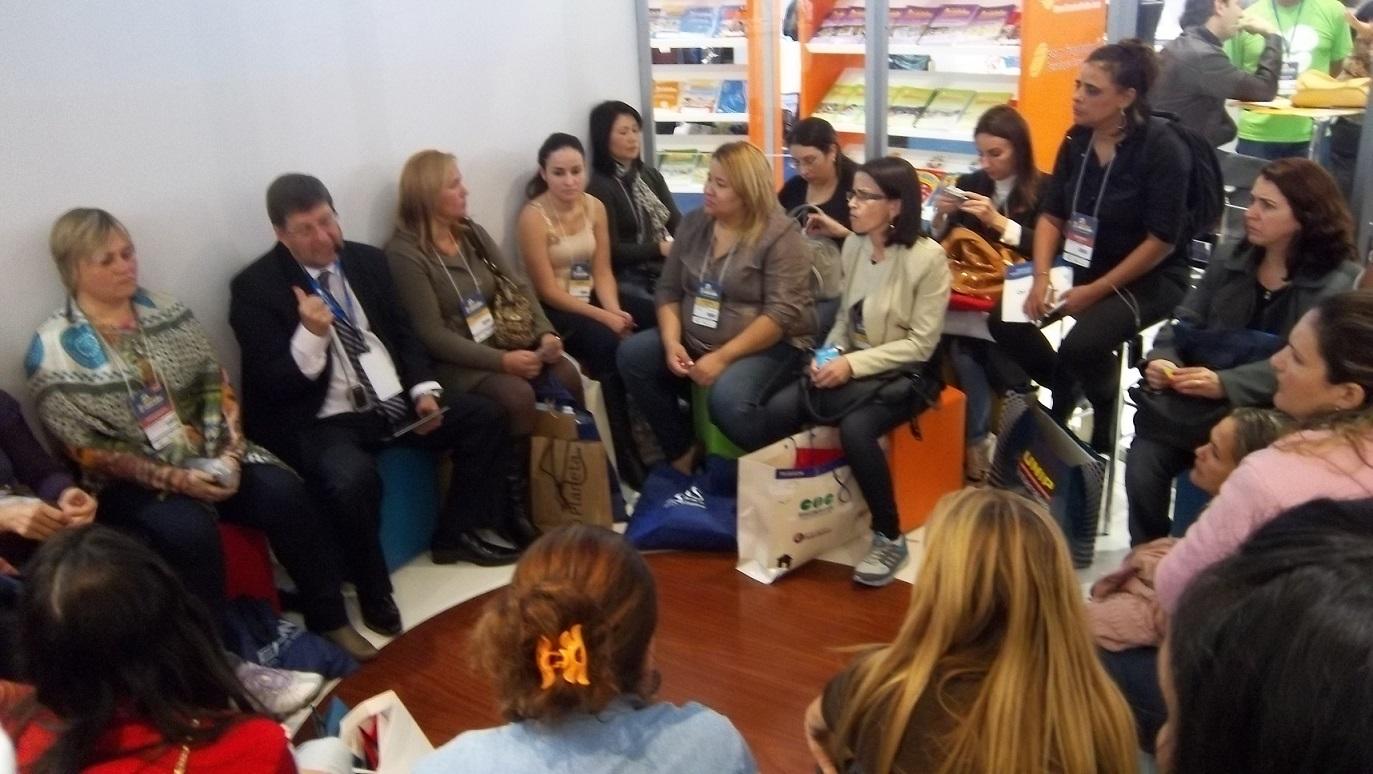 Flagrantes da 'Roda de Conversa' sobre voice design, o poder da palavra falada aplicada no ensino