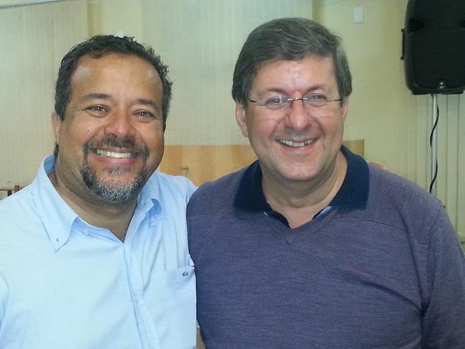 A imagem revela a alegria de estar com um amigo e irmão em Cristo. Saiba mais sobre o Pedro do Borel: http://www.pedrodoborel.com.br/content/
