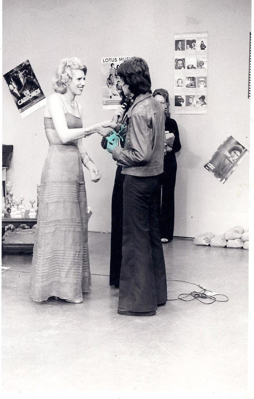 Recebe Troféu: Melhor do Rádio 1974 – Programa Mário Celso – Canal 6