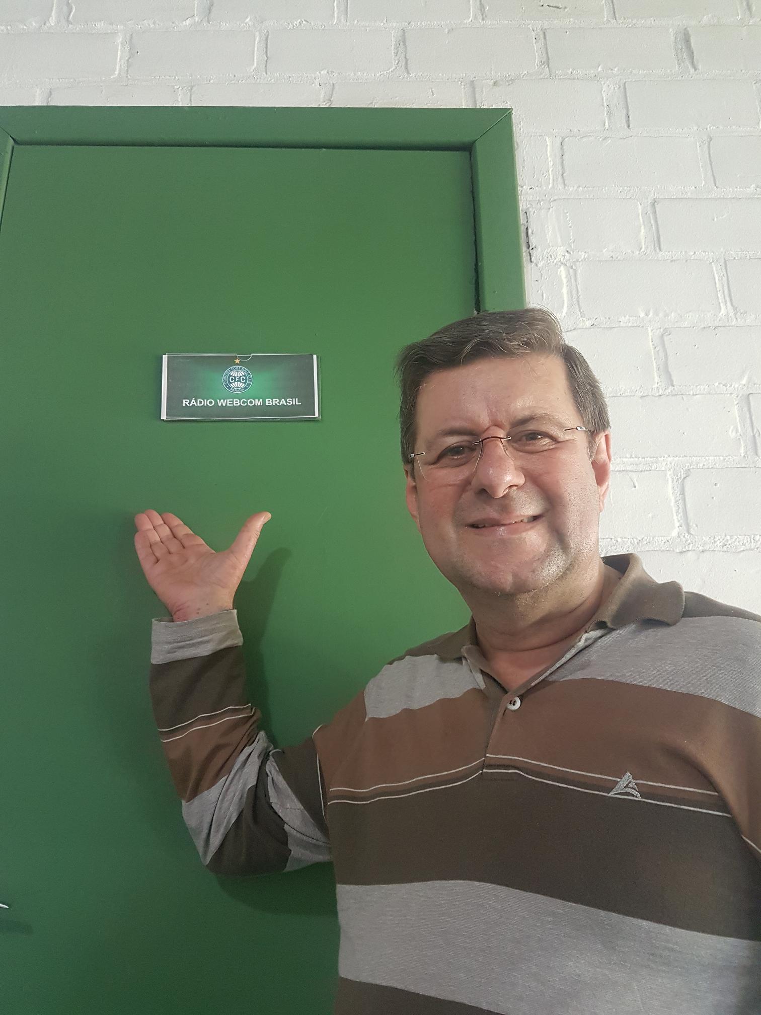 Rádio Webcombrasil na Cabine 09 do Estádio Couto Pereira